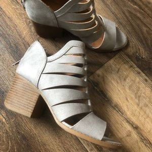 Cute heeled bootie with cut outs